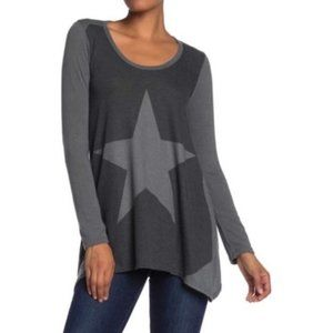 Go Couture Nordstrom Star Sharkbite Tunic Top
